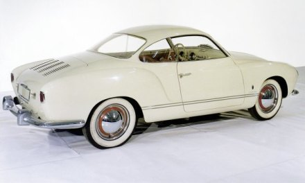 Basis des Karmann Ghia war der Volkswagen Käfer. Die Studie von 1953 wird einer der Stars der 5. Schloss Bensberg Classics vom 6. bis 8. September 2013 sein.