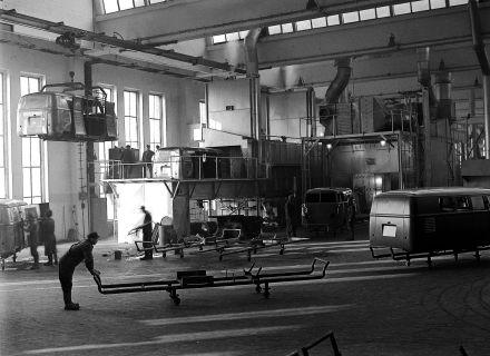 Die Serienproduktion startet am 8. März in Halle1 des Wolfsburger Volkswagen Werks mit täglich zehn Wagen.
