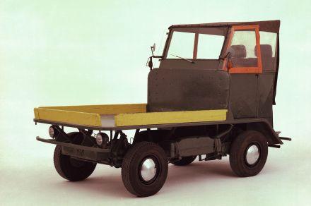 Der Plattenwagen war die Initialzündung für Ben Pon, den ersten Transporter zu skizzieren.