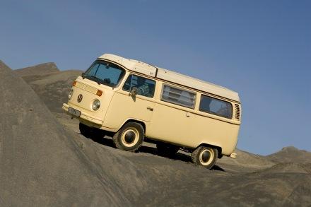 Im Jahr 1978 kommt es zum Bau von fünf offiziellen Versuchsfahrzeugen mit zuschaltbarem Frontantrieb.