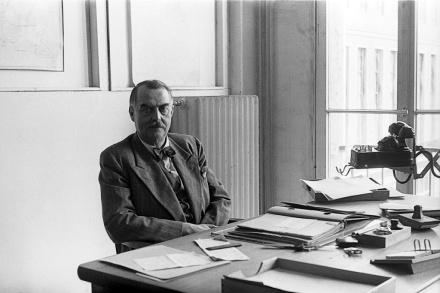 """?Heute vor 70 Jahren ? Dr. Hermann Münch wird erster Haupttreuhänder und Generaldirektor von Volkswagen"""""""